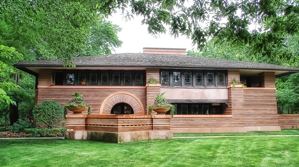 Arthur B. Heurtley House  1902 by Frank Lloyd Wright Chicago suburb of Oak  Park, Illinois